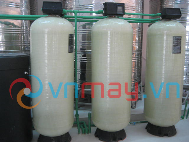 Hệ thống cột lọc áp lực tự động xử lý nước tiền RO