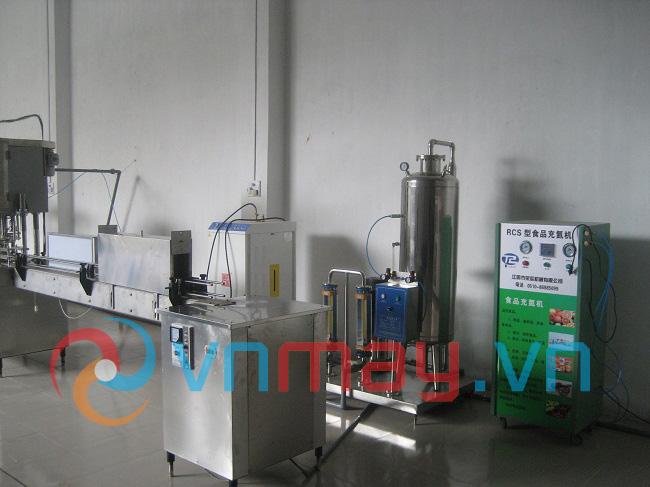 Dây chuyền sản xuất nước đóng chai, bình