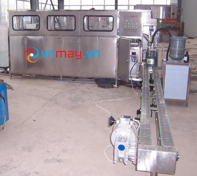 Máy chiết rót bình 5 gallon tự động công suất 300 bình/giờ