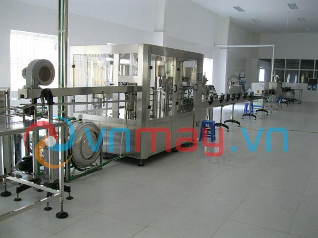 Dây chuyền sản xuất nước uống tinh khiết đóng chai