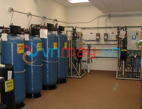 Hệ thống máy lọc nước chạy thận nhân tạo sử dụng 2 máy lọc nước RO